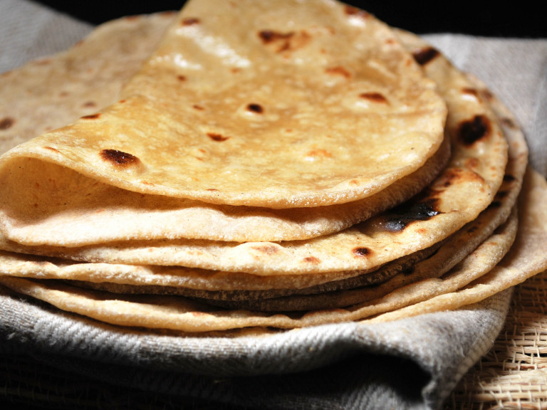 a stack of chapatis