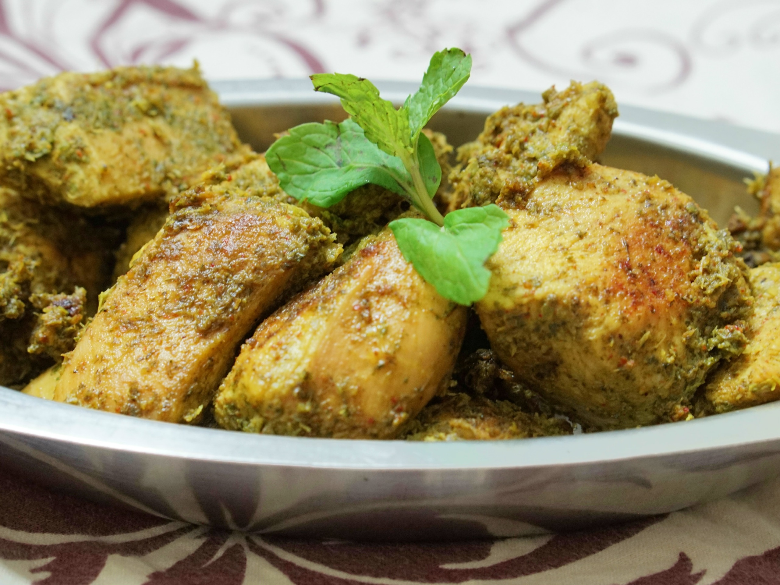 a bowl of dum pukht chicken