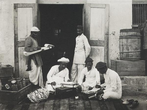 A group of Mumbai letter-writes