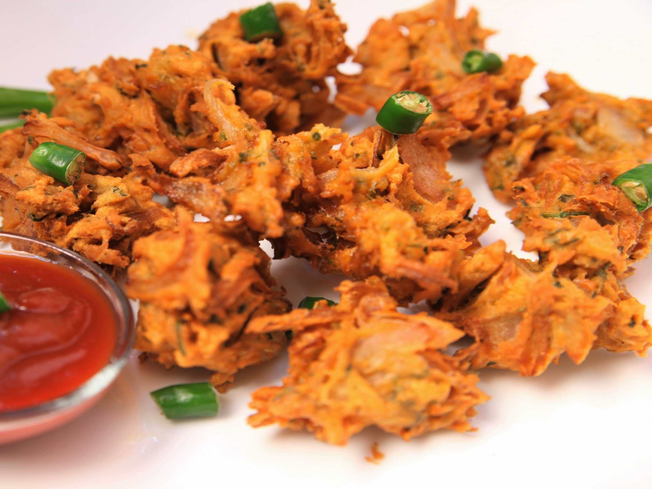 a platter of onion bhaji
